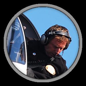 Ausbildungsleiter, Berufspilot und Fluglehrer aus Leidenschaft Flugausbildung 1980 bei der Bundeswehr, Flugerfahrung mehr als 7000 Std. auf Hubschraubern als Rettungspilot, Fluglehrer und Prüfer.Für das Deutsche Hubschrauberteam national und international unterwegs auf Hubschraubermeisterschaften.